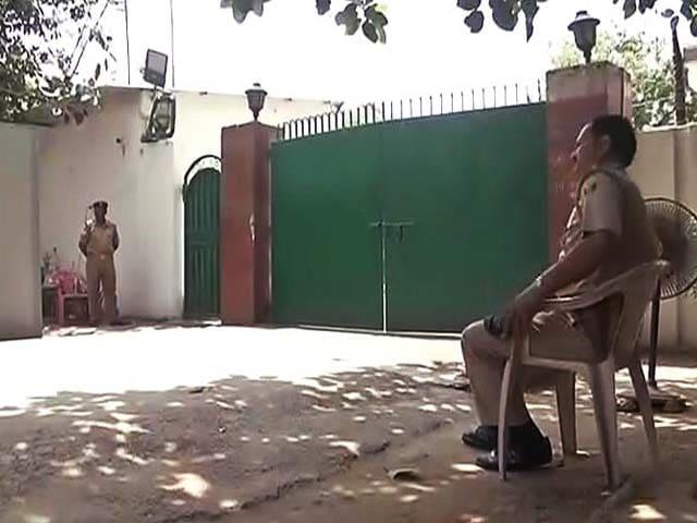 Videos : लालू यादव के 22 ठिकानों पर आयकर छापे