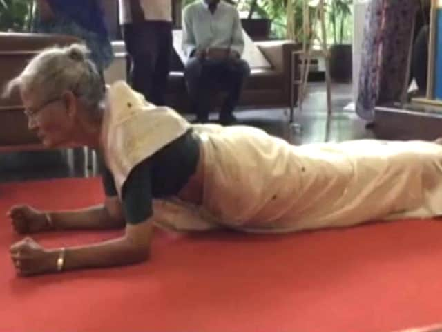 Video : Milind Soman's Mom, 78, Pulls Off A Plank Wearing A Sari. Push-Ups Next
