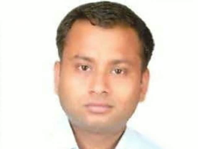 Video : Karnataka IAS Officer Found Dead On Roadside In Lucknow