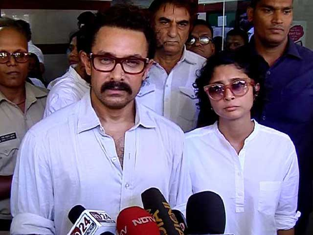 Video : Aamir Khan Rushes to Pay His Last Respects to Veteran Actress Reema Lagoo