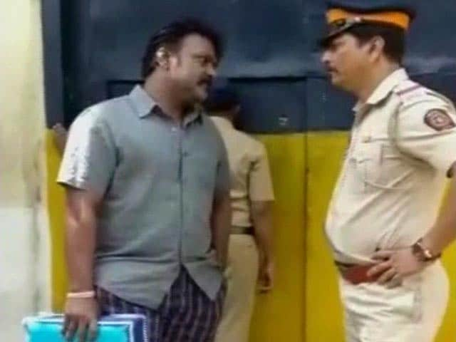 Video : You Don't Know Who I Am': On Camera, Jailed Lawmaker Threatens Cop