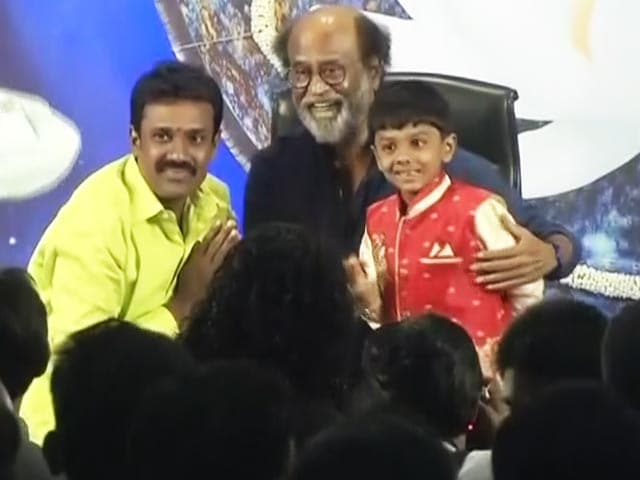 Video : Is Rajinikanth Ready To Take Political Plunge?