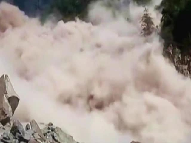 Video : Landslide On Rishikesh-Badrinath Highway, 1500 Pilgrims Feared Stranded