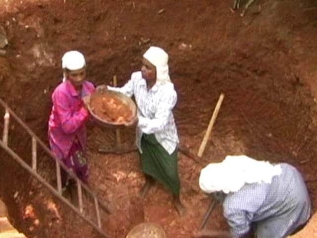 Video : In Drought-Hit Kerala, 300 Women Dug 195 Wells In A Year
