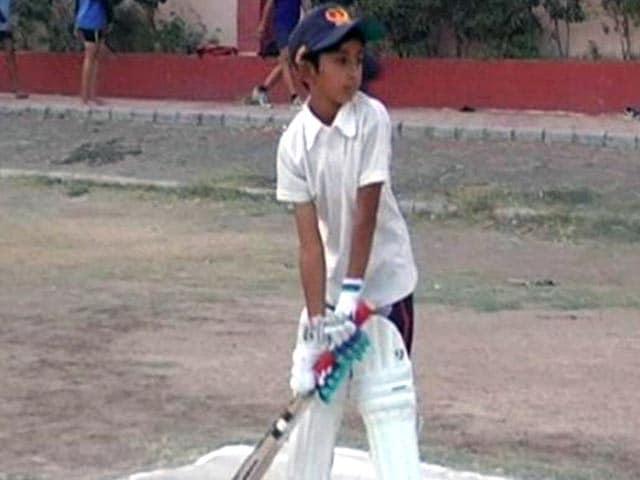 Video : इंदौर की 9 साल की अनादि का जलवा, अंडर-19 क्रिकेट टूर्नामेंट के लिए चुनी गई