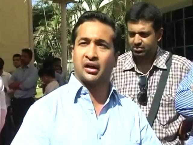 Video : फिर विवादों में नितेश राणे, फिरौती का मामला दर्ज