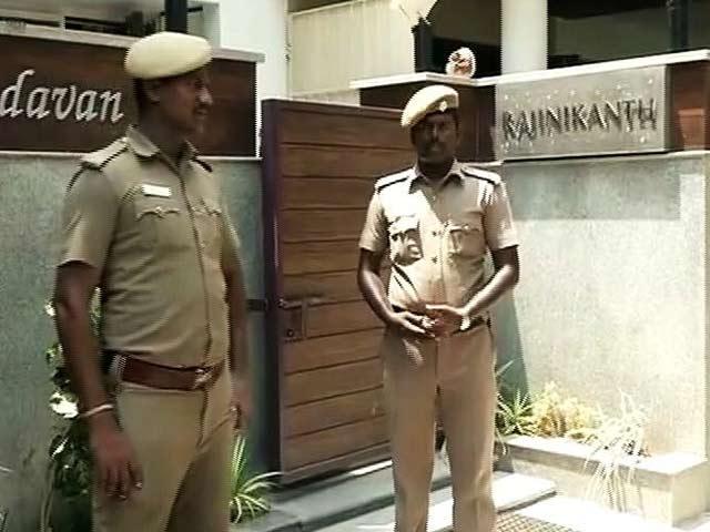 Videos : 40 साल से तमिलनाडु में, पूरी तरह तमिल हूं : रजनीकांत
