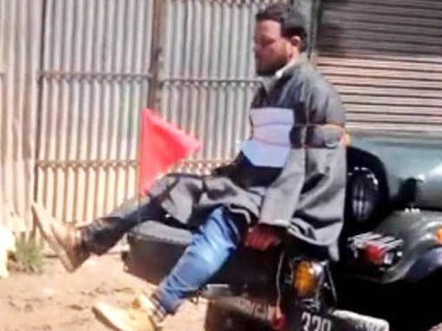 Video : Officer Who Tied Protester To Jeep As 'Human Shield' In Kashmir Honoured By Army