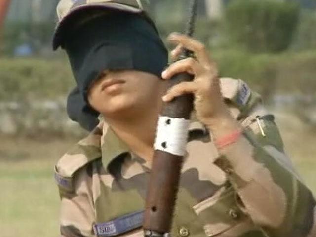 Video : दिल्ली मेट्रो की सुरक्षा में महिला कमांडो...