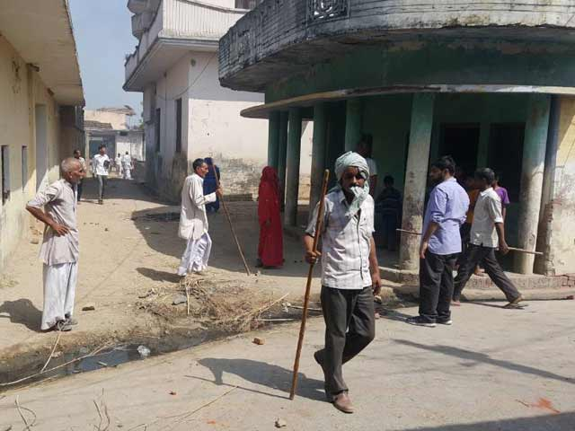 Videos : इंडिया 8 बजे : सहारनपुर में हिंसा और तनाव को काबू करने के प्रयास जारी