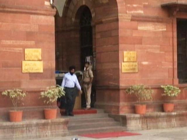 Video : CRPF के आईजी ने असम में सुरक्षा बलों की ओर से फर्जी मुठभेड़ का आरोप लगाया