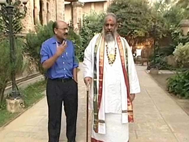 Video : Walk The Talk With Chandraswami, Self-Styled Godman (Aired In 2004)
