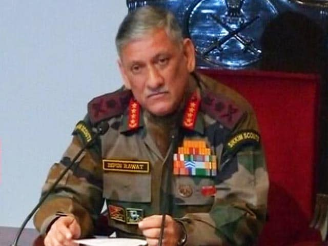 Videos : इंडिया 9 बजे : पत्थरबाज़ी, बम फेंकने पर मूक नहीं रहेंगे - सेना प्रमुख