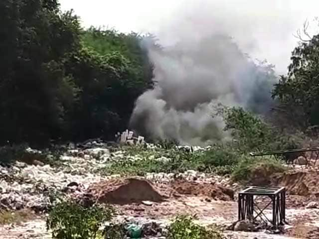 Video : Bengaluru's Varthur Lake Moves From Froth To Fire, Smoke Fills The Air