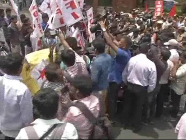 Video : IIT Madras Students Protest Attack Over Beef Fest