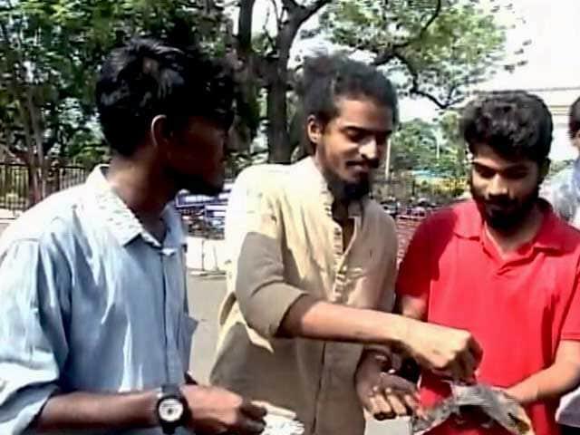 Videos : बीफ फेस्ट पर बवाल जारी : IIT प्रशासन कर सकता है कार्रवाई