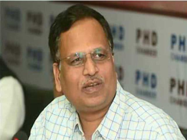 Videos : इंडिया 8 बजे :  मनी लॉन्डरिंग मामले में  दिल्ली के स्वास्थ्य मंत्री से CBI ने की 8 घंटे पूछताछ