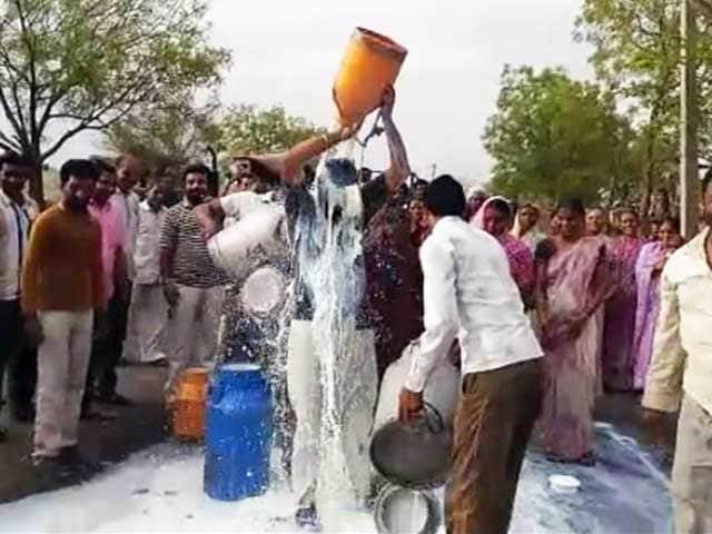 Video : खास रिपोर्ट : महाराष्ट्र में किसानों की हड़ताल