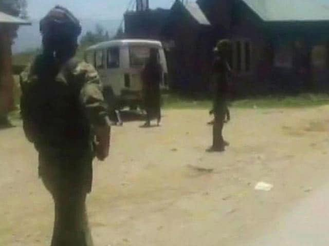 Video : 2 Soldiers Killed In Attack On Army Convoy By Terrorists In Jammu And Kashmir