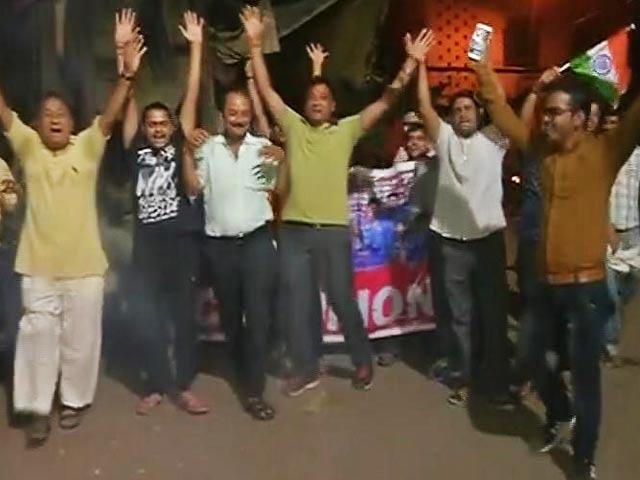 Videos : चैंपियंस ट्रॉफी में भारत ने पाक को दी करारी मात, खुशी से झूम उठे फैंस