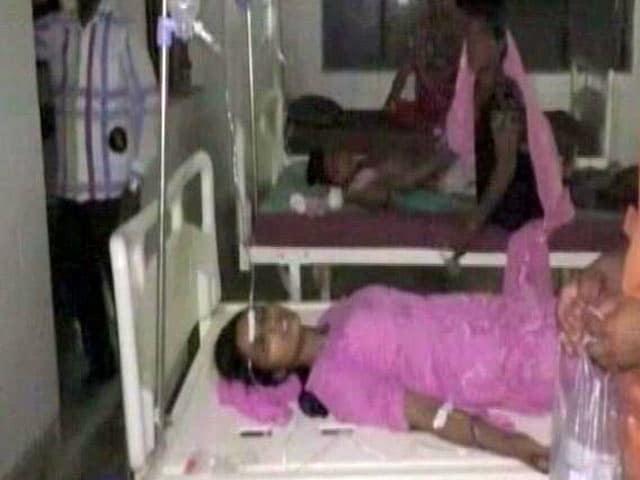 Videos : इफ्तार खाने के बाद 175 लोग बीमार