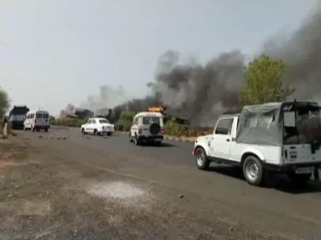 Videos : MoJo: मंदसौर में किसानों पर फायरिंग के बाद कर्फ्यू
