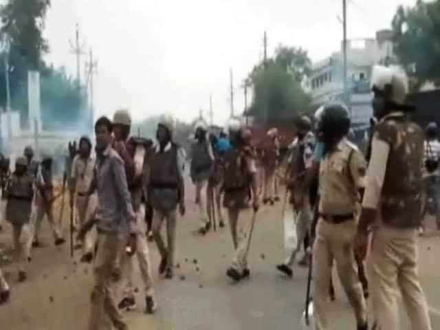 Videos : इंडिया 8 बजे : मध्य प्रदेश सरकार ने माना-पुलिस की गोली से ही हुई किसानों की मौत