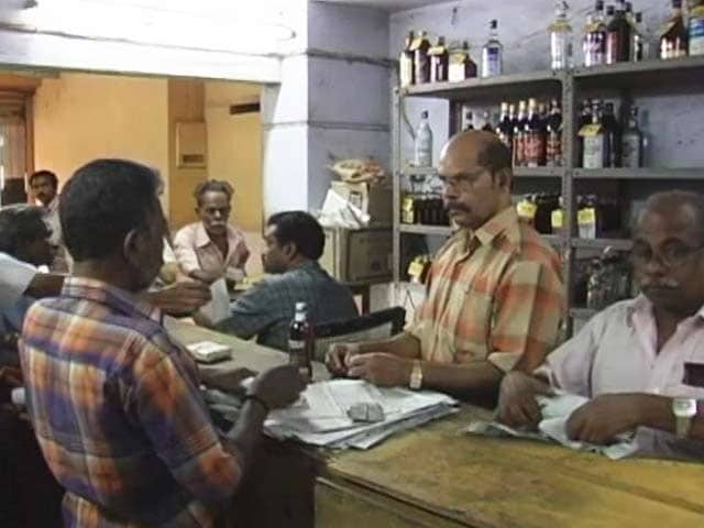 Video : Kerala Loosens Alcohol Ban, Minimum Drinking Age Raised To 23