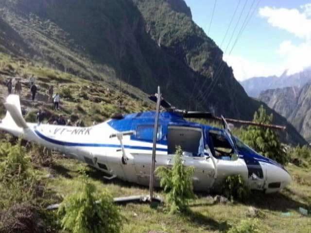 Video : बद्रीनाथ में हेलिकॉप्टर क्रैश, इंजीनियर की मौत