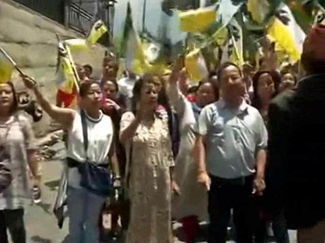 Video : Gorkha Janmukti Morcha's Indefinite Shutdown Begins Today In Darjeeling