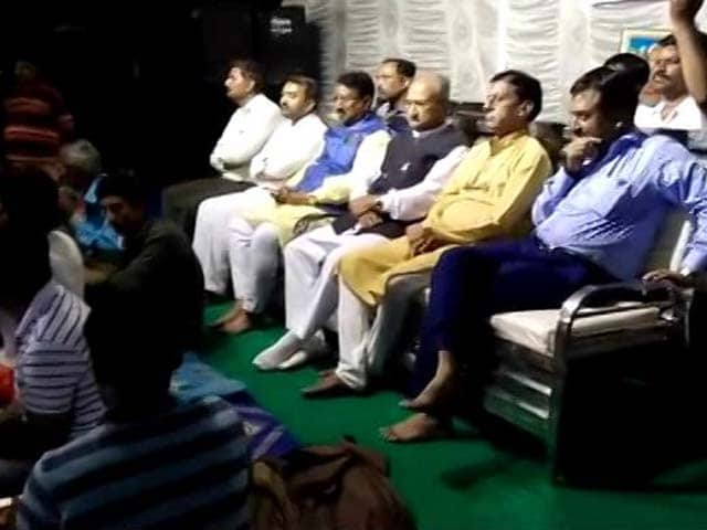Video : Gujarat Ministers Enjoy Black Magic Show, Call It 'Divine Worship'