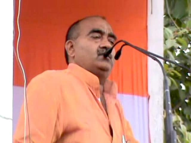 Video : MP कांग्रेस नेता के विवादित बोल- ''राहुल भैय्या के नेतृत्व में किसान सरकार के ऊपर गोली चलाएगा''