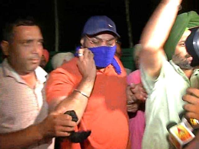 Video : ड्रग्स रैकेट में शामिल पंजाब पुलिस का इंस्पेक्टर गिरफ्तार