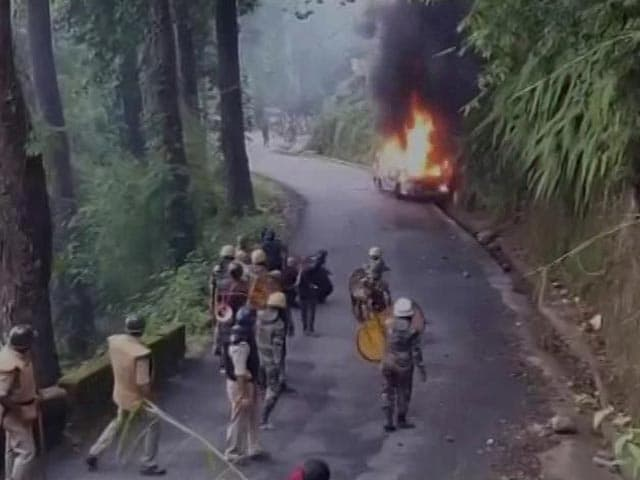 Video : Darjeeling Protest Leader Raided By Police; Arson, Vandalism By Mob