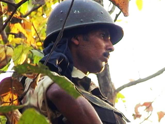 Videos : जम्मू-कश्मीर : कुलगाम में सेना ने दो आतंकी मार गिराए