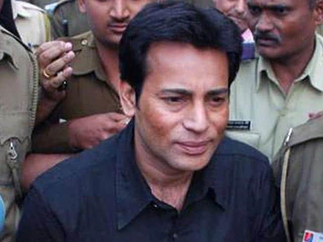 Videos : 1993 मुंबई धमाका केस : टाडा कोर्ट से अबु सलेम समेत 6 दोषी करार