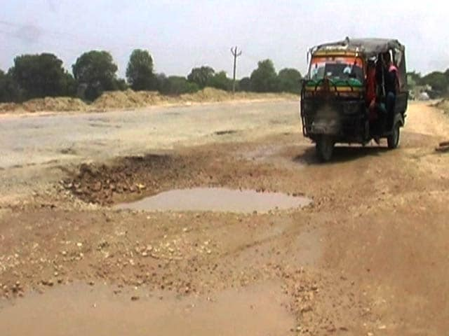 Video : Pothole-Free Roads By June 15, Promised Yogi Adityanath. A Reality Check
