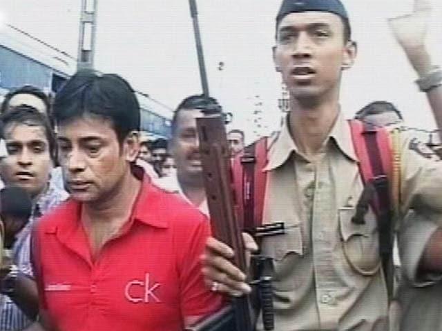 Video : इंडिया 8 बजे : मुंबई बम धमाकों में अबु सलेम सहित 6 लोग दोषी