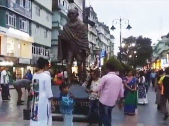 Videos : दार्जीलिंग में तनाव भरी शांति, पर्यटक कर रहे हैं गैंगटॉक का रुख