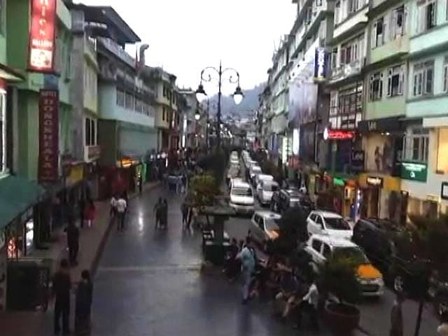 Video : With Darjeeling Under Lockdown, Tourists Are Heading To Sikkim
