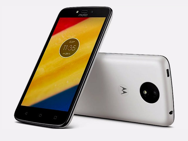 Video : 360 Daily: Moto C Plus Set to Launch in India, Wireless Charging on iPhone 8, and More