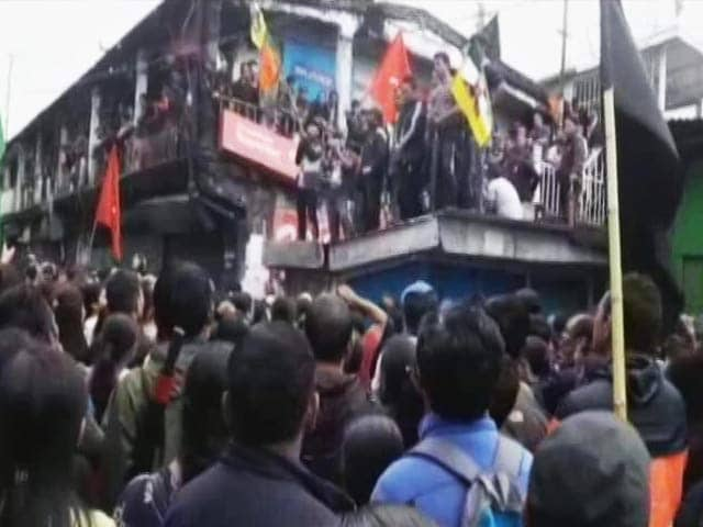 Video : Darjeeling Schools To Evacuate Students As Gorkhaland Protests Intensify