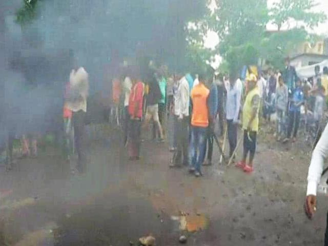 Farmers Protest Near Thane, Block Highway, Cops Injured In Clash