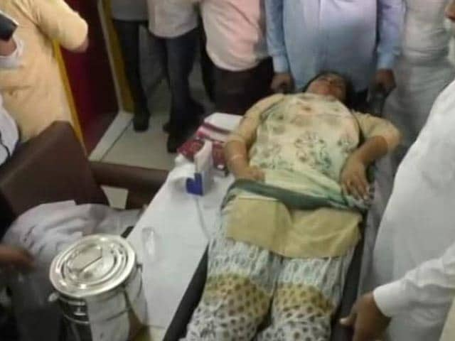Video : AAP Legislator Faints After Being Allegedly Manhandled In Assembly