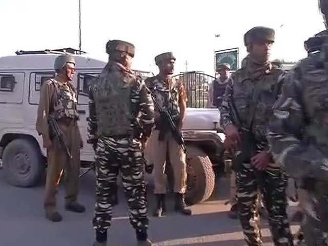 Video : Sub Inspector Killed As Terrorists Open Fire At CRPF Team In Srinagar