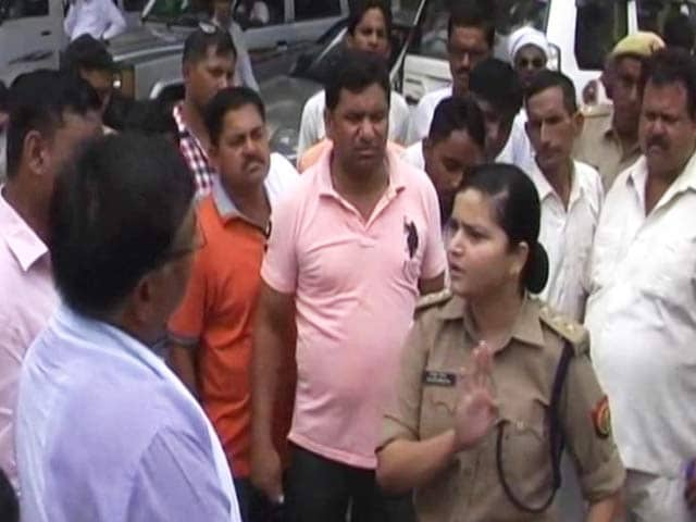 Woman Police Officer In UP Takes On Angry BJP Workers. Video Is Viral