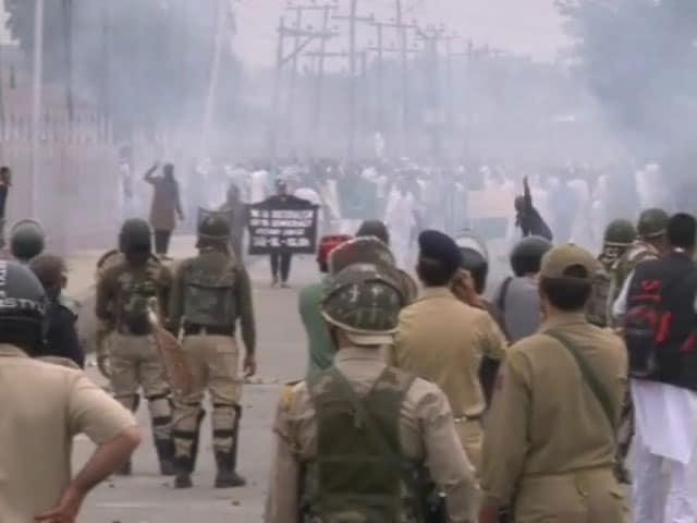 Video : MoJo: ईद के दिन भी कश्मीर में पत्थरबाजी