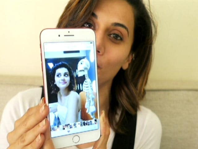 Video : Taapsee Pannu Shows Us 6 Personal Photos