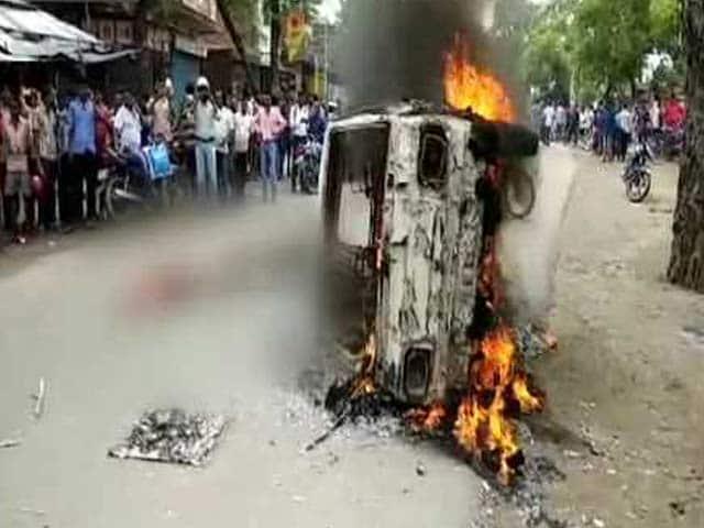 Videos : झारखंड में बीफ ले जाने के आरोप में भीड़ ने की युवक की हत्या