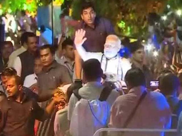 Videos : राजकोट में प्रधानमंत्री के दौरे के लिए इतनी फिजूलखर्ची क्यों?